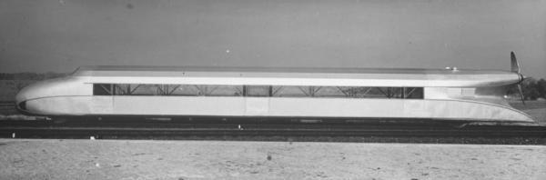 Propeller-Eisenbahn auf der Versuchsstrecke