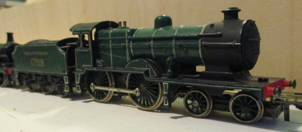 'OO' Locos - Jon's old trains #4 (3/6)