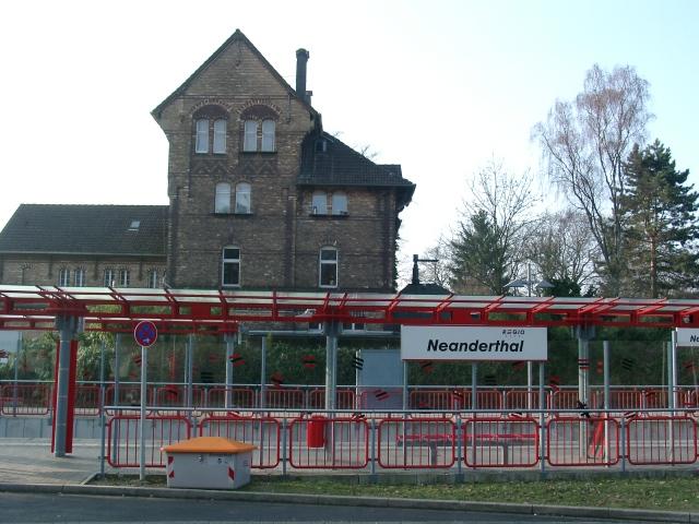 Neanderthal_Trainstation_20060318_2