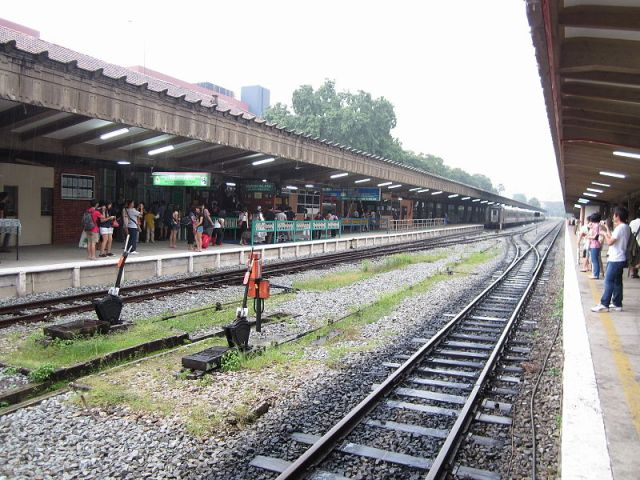 800px-Railway_platforms_and_lines_at_the_Tanjong_Pagar_Railway_Station_(1)