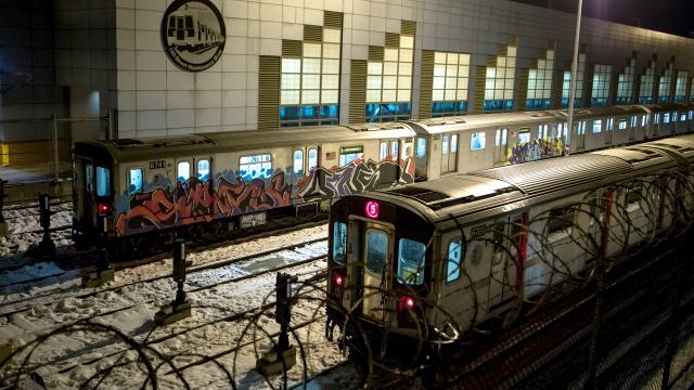 graffititrain-7615_lead
