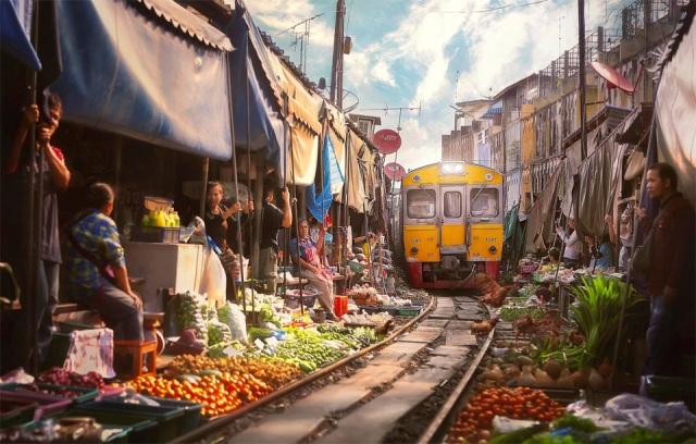 thailand-railway-market